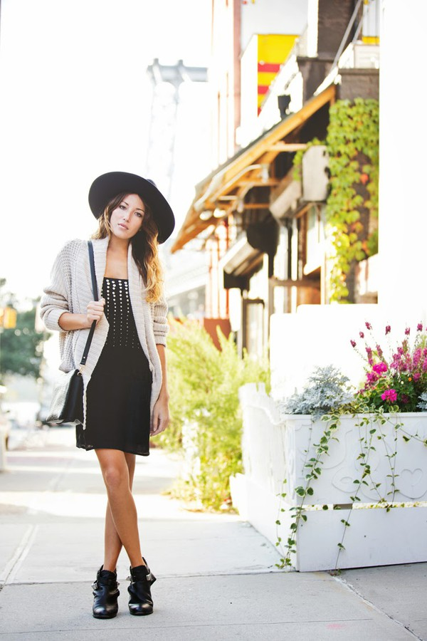 the marcy stop blogger cardigan bag