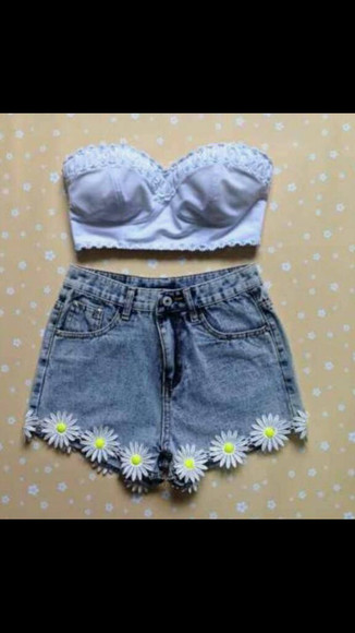 shirt shorts highwaisted shorts tank top floral