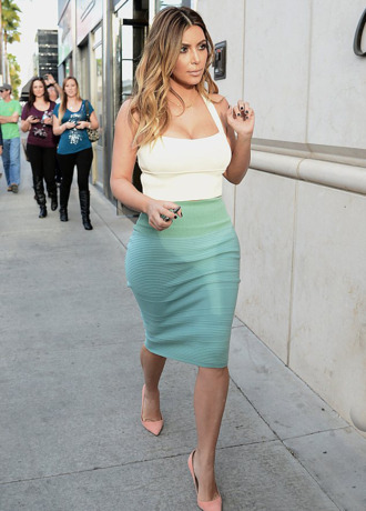 skirt kim kardashian high waisted skinny light blue jeans white crop tops crop tops tank top shoes
