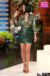 skirt,green,leather,zip,rihanna,rihanna style,rihanna clothes,top,rihanna shirt,shirt,jacket,denim jacket,cropped