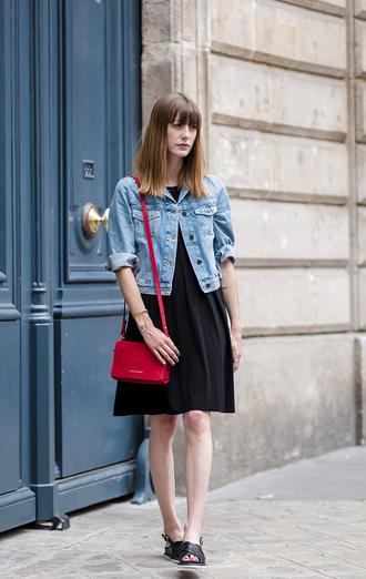 into your closet blogger dress denim jacket red bag