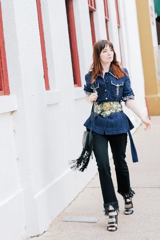 sea of shoes blogger shirt belt jeans shoes bag