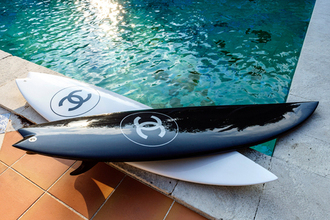 jewels surf black white chanel summer sports home accessory