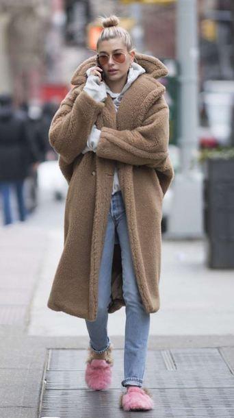 shoes coat hailey baldwin jeans streetstyle winter coat model off-duty