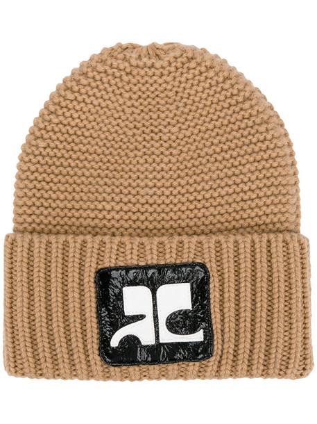 Courrèges - logo patch knitted beanie - women - Cotton/Polyurethane/Merino - One Size, Brown, Cotton/Polyurethane/Merino