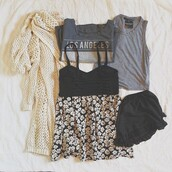 shirt,clothes,dress,black,floral,girly,knitted cardigan,jacket,blouse,sweater,tank top,t-shirt,shorts