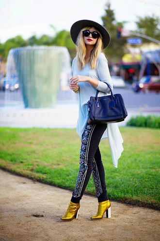 bag shoes jeans sweater late afternoon hat sunglasses