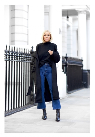 victoria tornegren blogger jeans oversized sweater turtleneck long coat cropped jeans kick flare kick flare jeans black long coat from hats to heels pants shoes