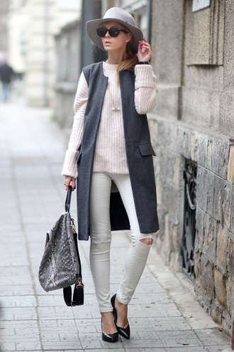 sirma markova blogger jeans hat ripped jeans knitted sweater baby pink grey coat