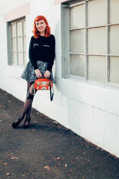grey skirt bag the clothes blogger tights skater skirt jumper