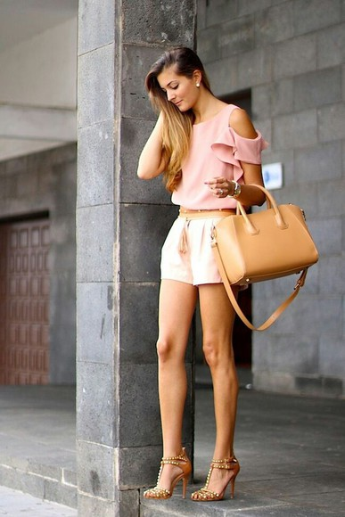 beige bag bag beige top blouse summer outfits pink pink top Belt