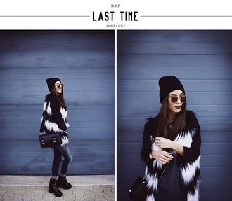 mexiquer blogger stripes faux fur jacket black and white