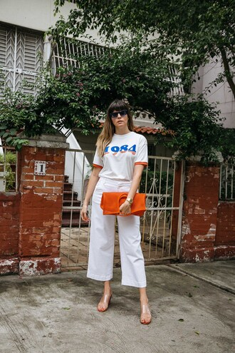t-shirt sunglasses tumblr white t-shirt denim jeans white jeans cropped jeans sandals bag orange shoes pants