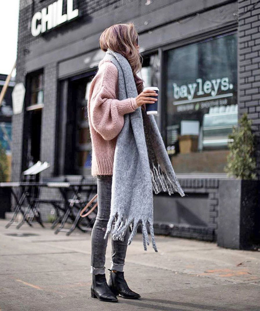 scarf tumblr grey scarf sweater pink sweater knit knitwear knitted sweater denim jeans grey jeans boots black boots oversized sweater ankle boots skinny jeans