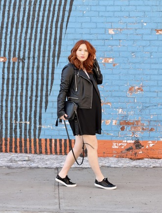 tf diaries blogger shoes t-shirt shirt dress jacket maternity black dress black leather jacket shoulder bag sneakers spring outfits all black everything