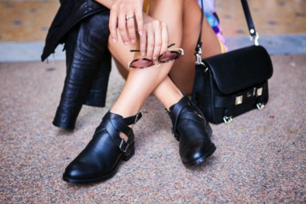 shoes booties boots ankle boots black boots black bag black bag glasses leather leather shoes