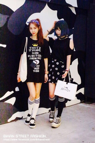 shoes harajuku platform shoes bag skirt tights socks blouse shirt dress all black everything