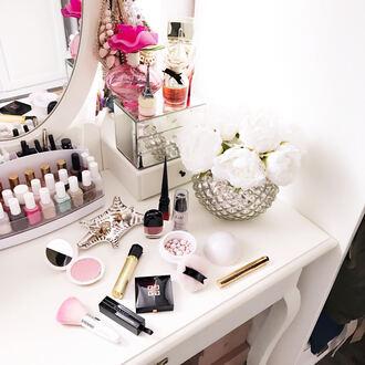 make-up givenchy mascara nail polish flowers tumblr makeup brushes lipstick lip gloss makeup table