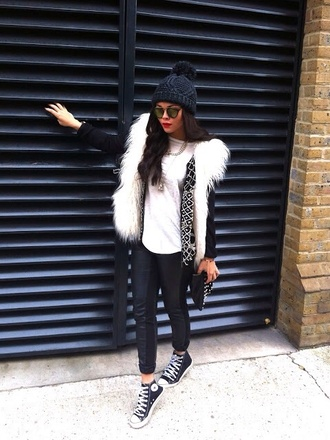 coat white black black and white fur fur coat white fur coat faux fur coat sunglasses make-up girl fashion clothes ootd outfit classy classic beanie black beanie jeans skinny jeans pants vest white jacket black jacket leather jacket leather pants black leather pants white fur vest