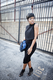 locks and trinkets,blogger,pencil skirt,bodycon skirt,black crop top,peep toe boots,fluffy,top,skirt,shoes,bag