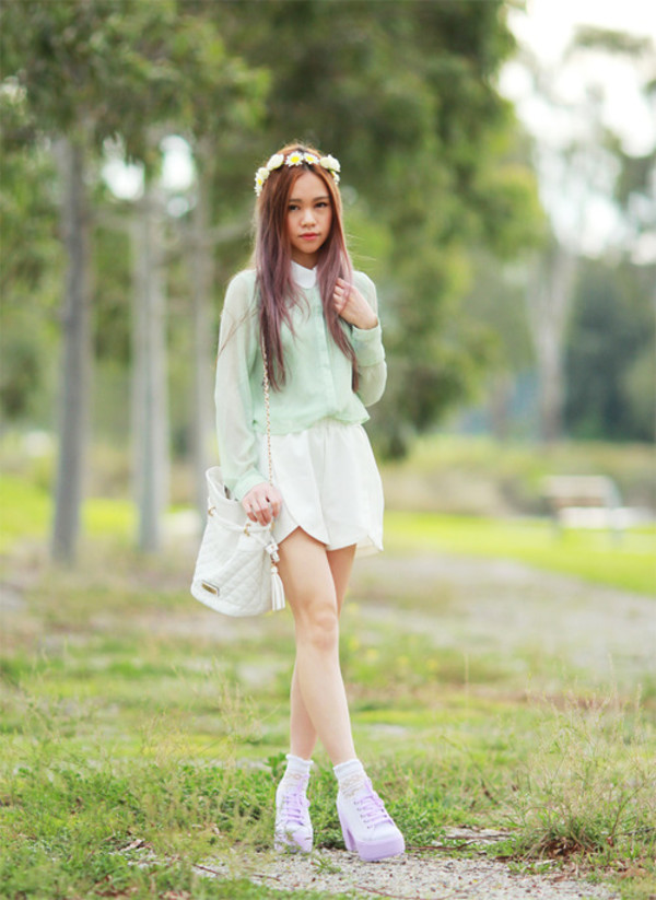 chloe ting blouse shorts bag shoes hair accessory