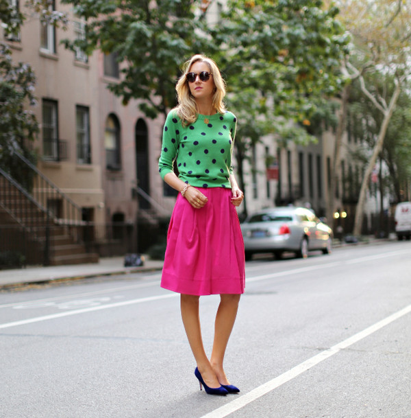 the classy cubicle sweater skirt shoes jewels sunglasses