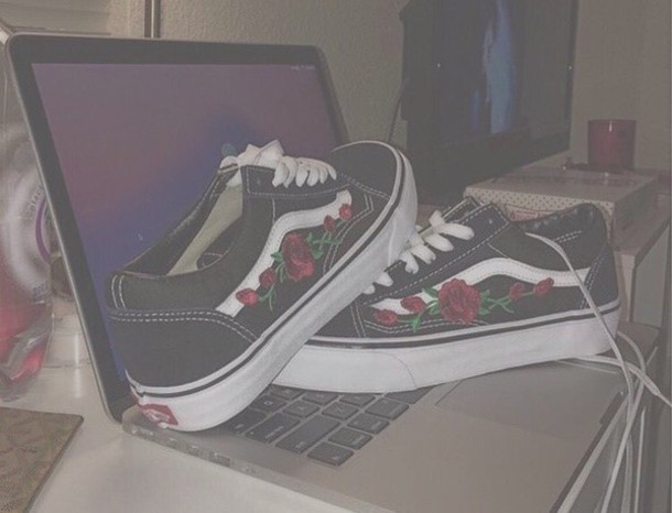 c71cdad7ffe shoes vans vans old skool roses rose flowers black tumblr white red