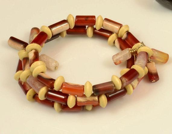 Wood and agate bracelet or choker or anklet by gemsandstuff
