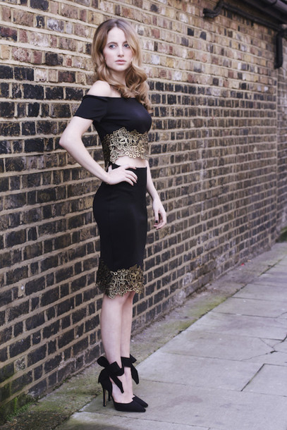 at fashion forte blogger top make-up jewels shoes two-piece gold lace black heels skirt