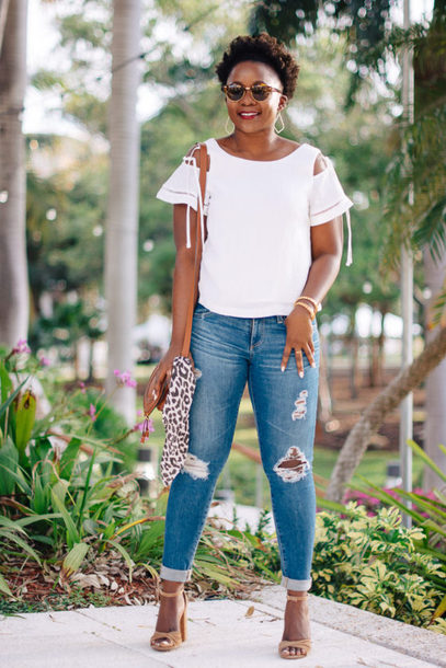 pinksole blogger shorts sunglasses jewels top jeans shoes bag shoulder bag white top sandals high heel sandals