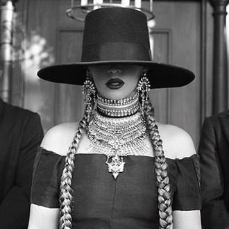 jewels jewelry beyonce beyonce fashion necklace statement necklace statement music video