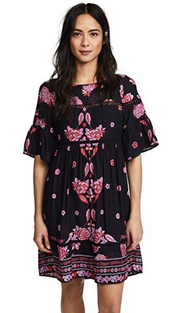 Ella Moon dress swing dress print black