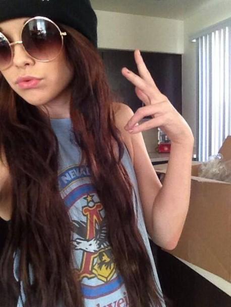 sunglasses round sunglasses brown sunglasses round acacia brinley t-shirt