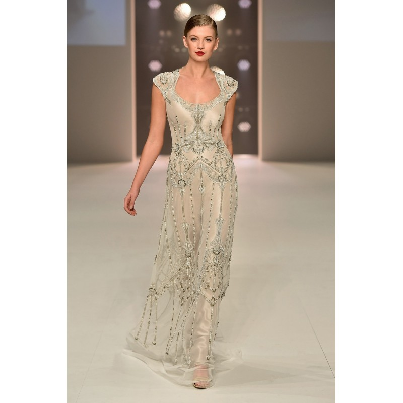 Gwendolynne Nouveau Wedding Dress - Gwendolynne -Red Carpet Runway ...