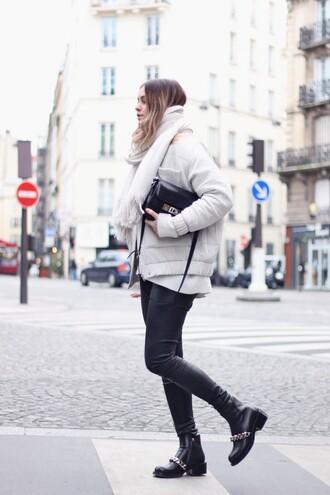 moderosa blogger scarf down jacket white coat black shoes pants shoes bag