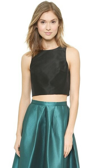 top cropped black