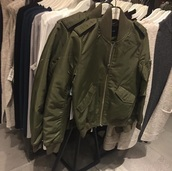 coat,bomber jacket,green jacket,tumblr,tumblr aesthetic,grunge,grunge aesthetic,soft grunge,soft grunge aesthetic,baddies,tumblr baddie,baddie aesthetic,fall outfits