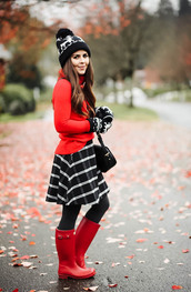 dress corilynn,blogger,hat,gloves,skirt,sweater,shoes,tights,bag,beanie,fall outfits,wellies,plaid skirt,red sweater,knitted gloves,pom pom beanie