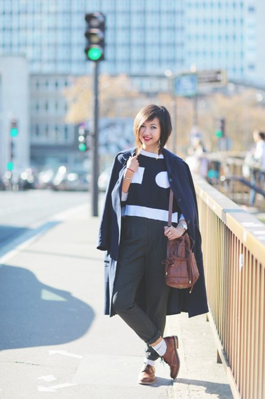 bag black and white blogger le monde de tokyobanhbao socks make-up