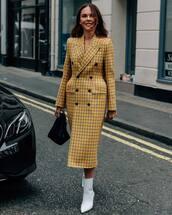 coat,yellow coat
