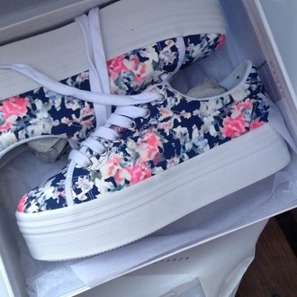 shoes flowers creepers vans white black floral floral shoes platform sneakers platform shoes pink blue