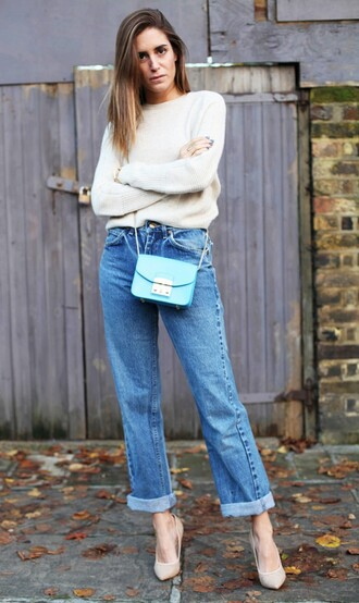 jeans cropped bootcut blue jeans cropped bootcut jeans blue jeans cropped jeans cuffed jeans pumps nude pumps sweater white sweater bag blue bag furla crossbody bag