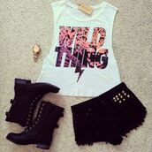 t-shirt,shorts,boots,wihte,black,top,white,shirt,shoes