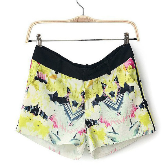 yellow shorts holiday outfit floral print shorts