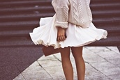 skirt,white skirt,large skirt,cream pull,white dress,white,cream,pullover,pull,sweater
