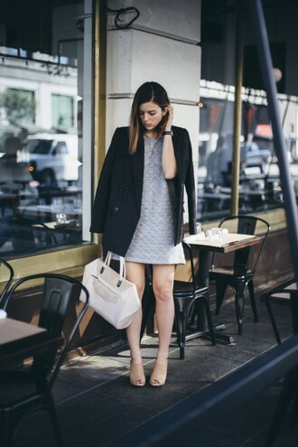 take aim blogger shoes bag grey dress nude high heels shift dress blazer