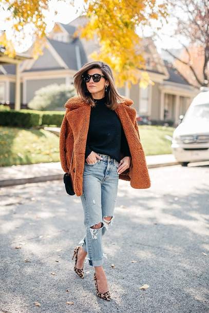 brighton the day blog | dallas fashion blog blogger sweater jeans coat shoes sunglasses jewels fall outfits pumps teddy bear coat black sweater