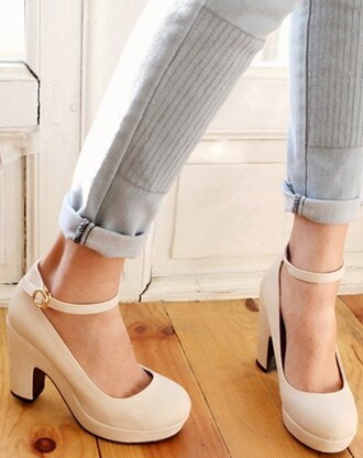 shoes wedges casual color sofisticated heels thick low heel pants