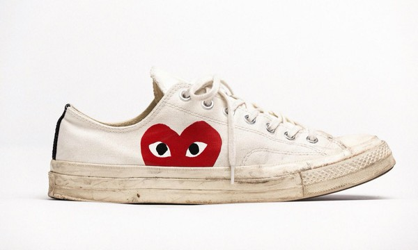 shoes white sneakers red red heart low top heart red heart locket necklace with silver colored chain converse white sneakers low top sneakers