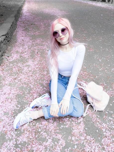 kayla hadlington blogger jeans top bag sunglasses